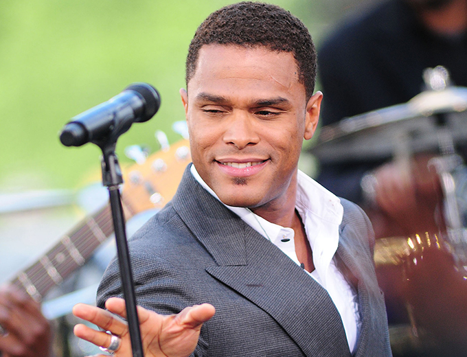 MAXWELL PLANS FOR TOUR, NEW MUSIC