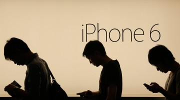 APPLE'S RESPONSE TO IPHONE GLITCHES IS KEY