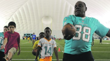 Dolphins hold clinic for  South Florida Youth