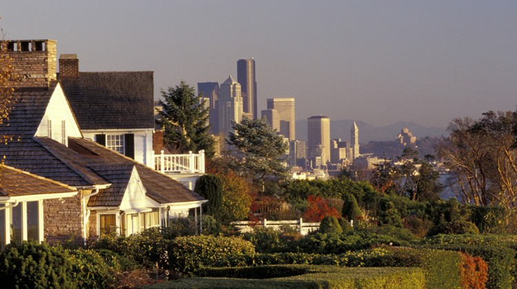 US PENDING HOME SALES RISE MODESTLY IN SEPTEMBER