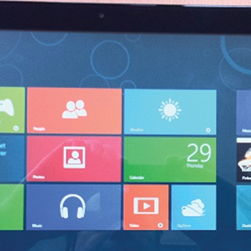 Windows 10 tries blending new with old