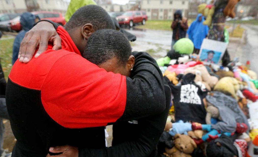 Anxieties mount as Ferguson waits on grand jury