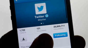 Twitter lets merchants offer deals to its users