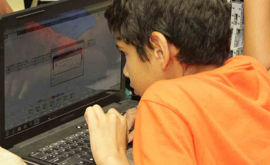 Curious-kids-learn-coding-