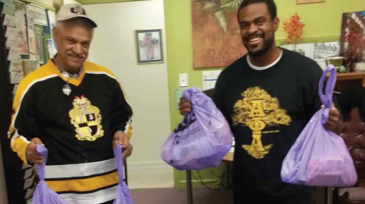 South-Miami-Dade-Alphas-and-UM-AKAs-package-Hope-Totes-for-the-homeless-residents