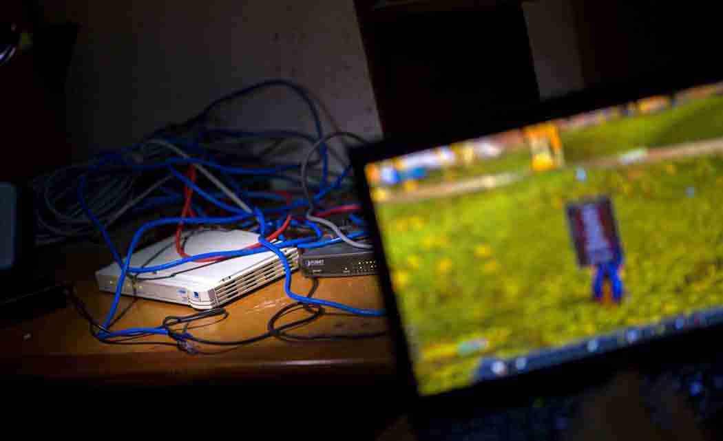 Cuban-youth-build-secret-computer-network-despite-Wi-Fi-ban