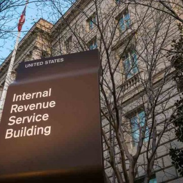 IRS-cuts-taxpayer-services-as-filing-returns-gets-harder