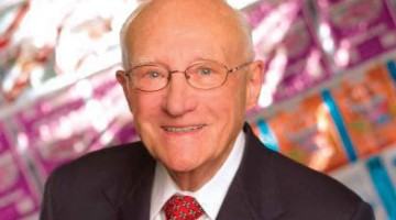 Melvin-Gordon,-CEO-who-built-empire-from-Tootsie-Rolls,-dies-
