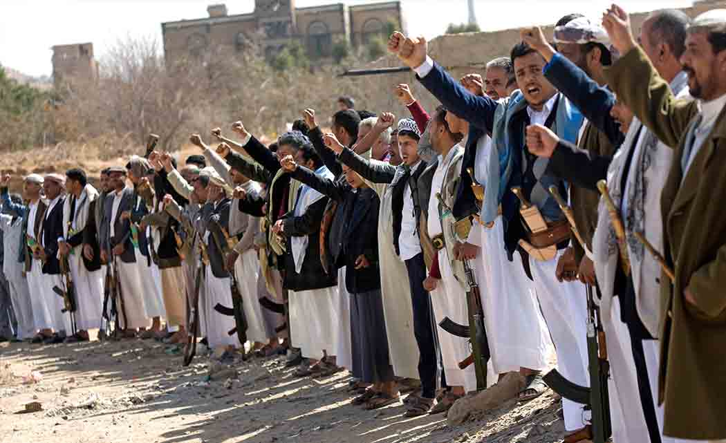 Shiite-rebels-shell-Yemen-presidents-home-take-over-palace