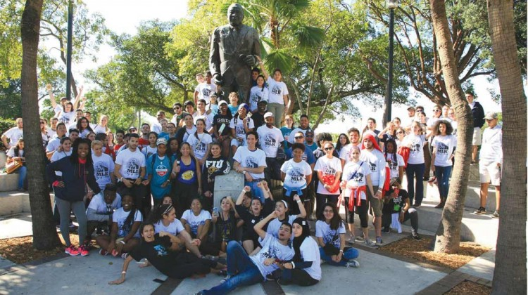 Volunteers--unite-for-MLK-day-of-service