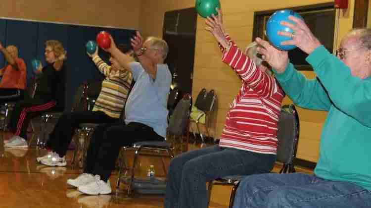 Illinois-YMCA-pilots-new-cardio-class-for-seniors