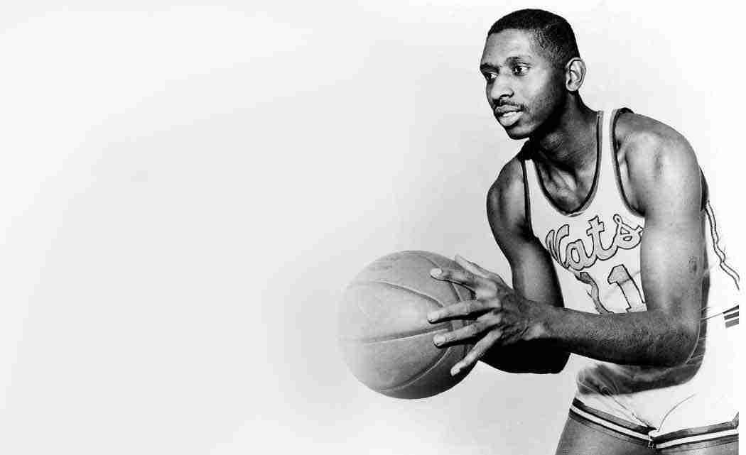 Earl-Lloyd,-first-black-player-in-NBA,-dies-at-86