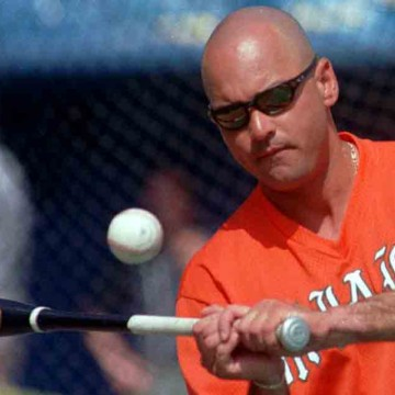 Ex-Miami-pitching-coach-pleads-guilty-in-steroid-probe