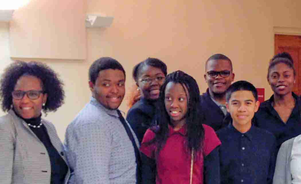 Students-present-bill-in-Tallahassee