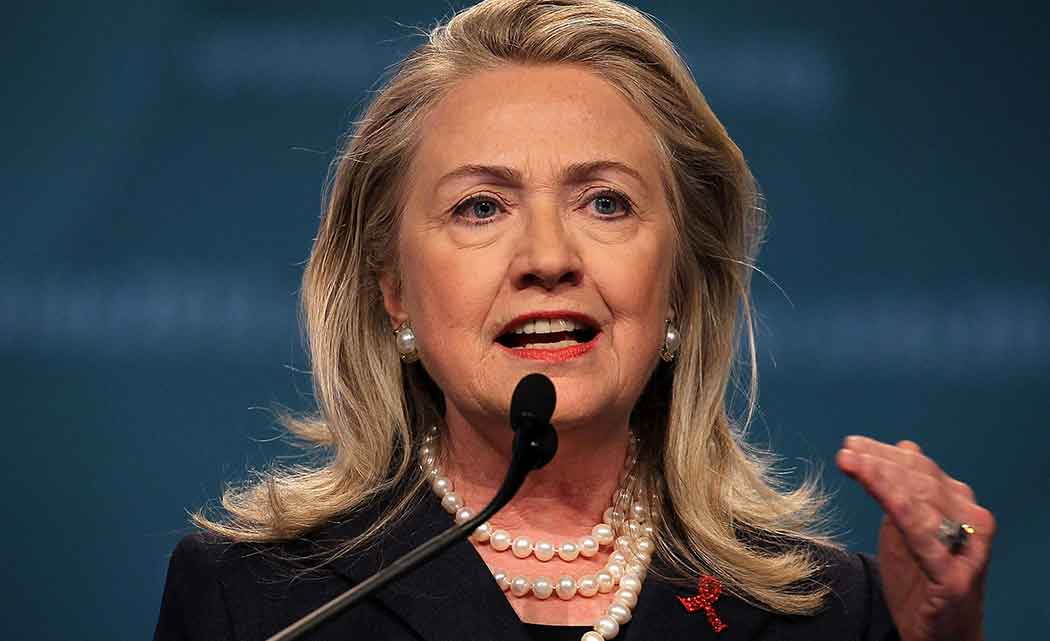 Clinton-gives-glimpse-of-how-she-plans-to-run-as-a-woman