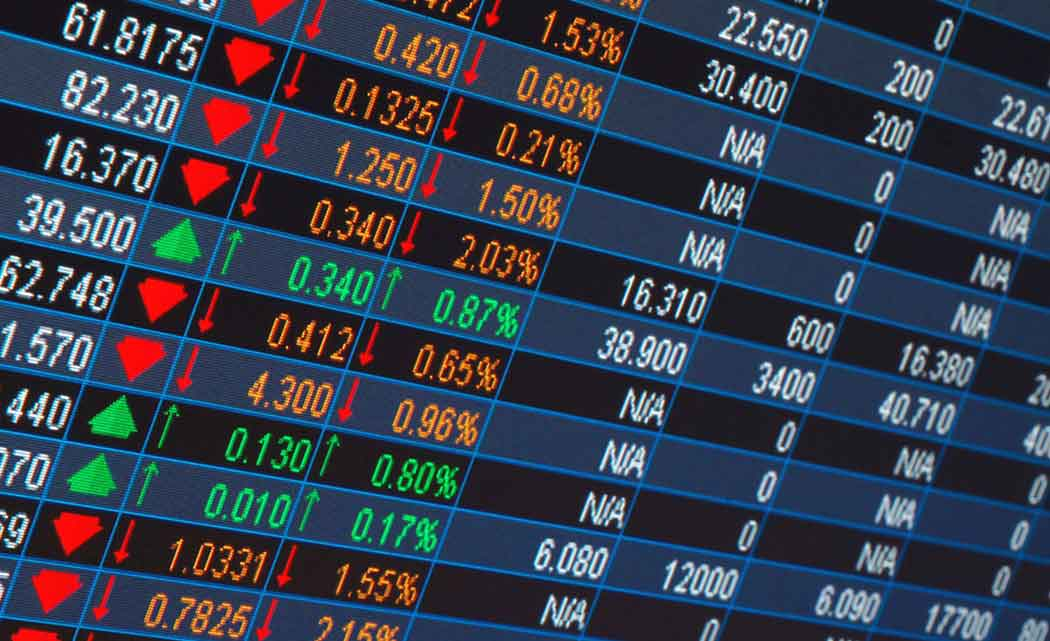 Mixed-earnings-news-leaves-US-stocks-mostly-lower