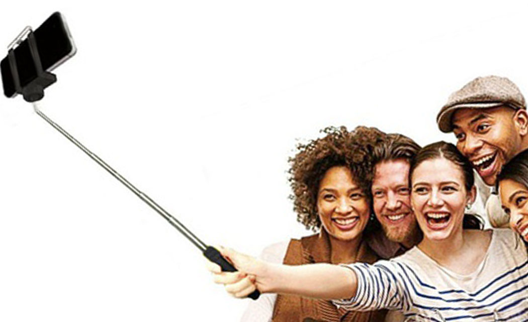 Selfie-stick-bans-go-into-effect-at-French,-UK-attractions