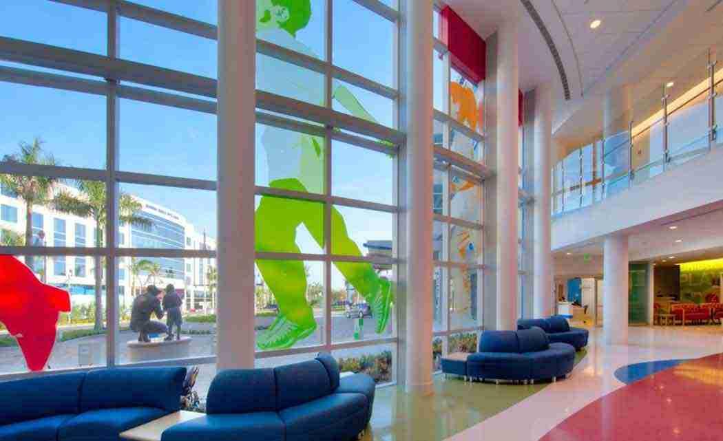 Tutu-Tuesday-brings-smiles-to-Florida-children's-hospital