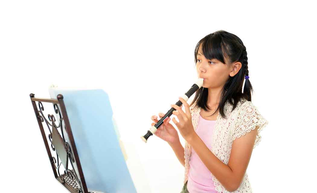 UMaine-projects-to-help-girl-with-1-hand-to-play-recorder