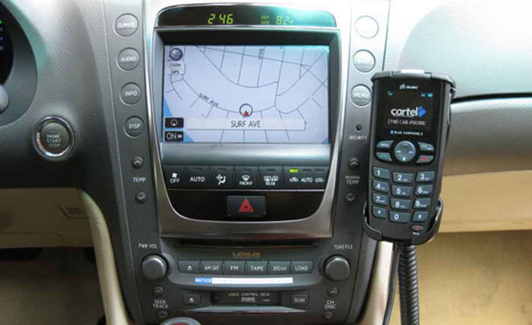 car-system-phone