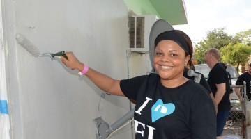 Bank,-volunteers-unite--to-repair-Pompano-home