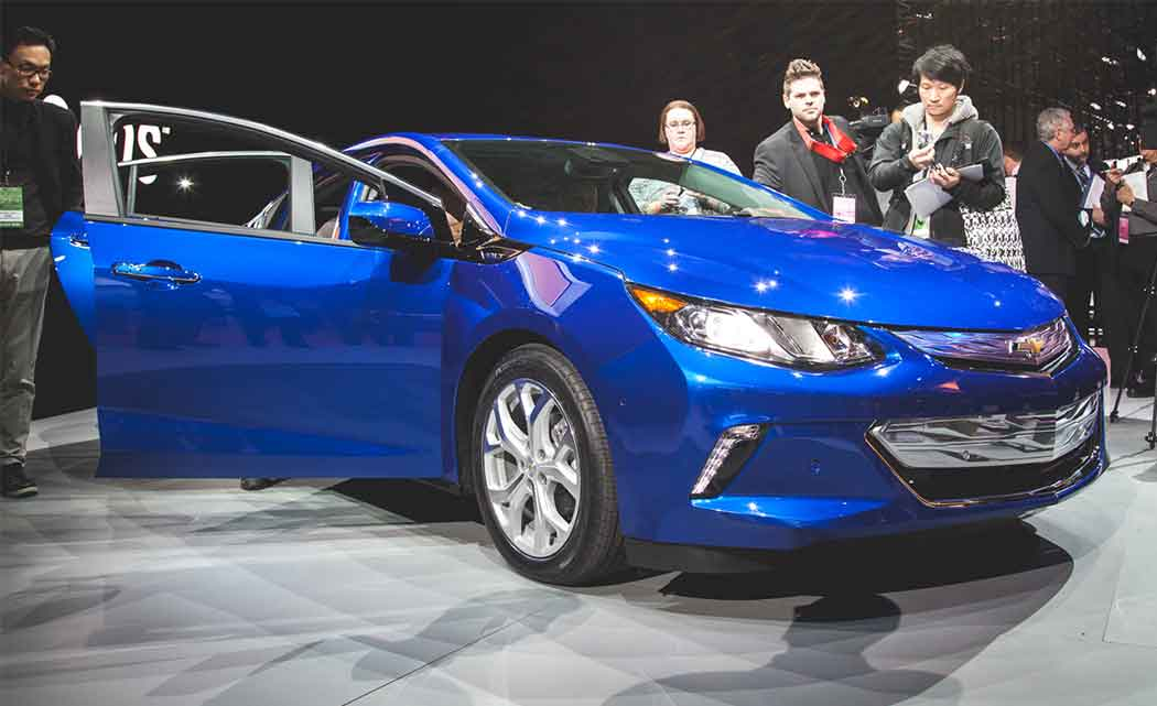 gm cuts 2016 volt plug in hybrid car price by almost 1 200 south florida times. Black Bedroom Furniture Sets. Home Design Ideas