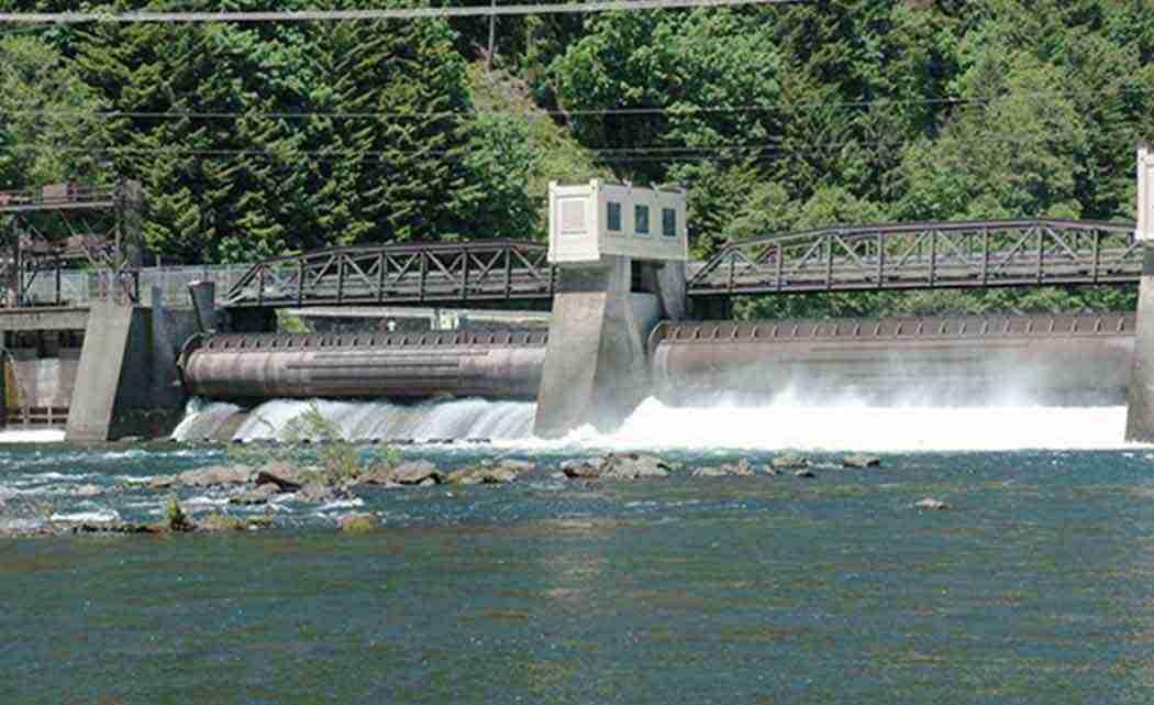 leaburg-dam