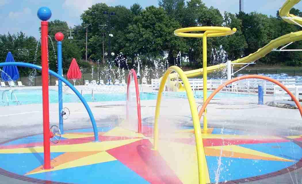 _0011_spray pool