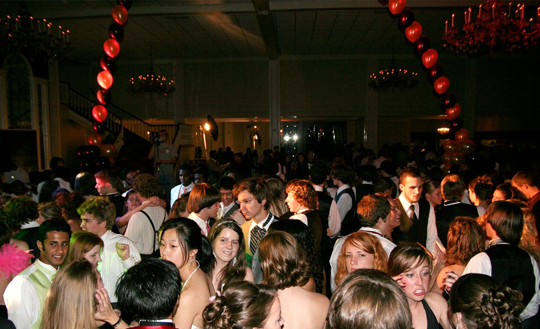 _0021_Prom_crowded_dancefloor