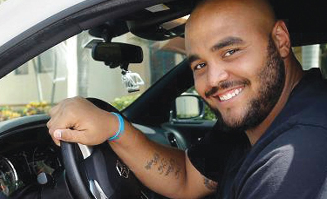 Dolphins-defensive-tackle-moonlights-as-an-Uber-driver