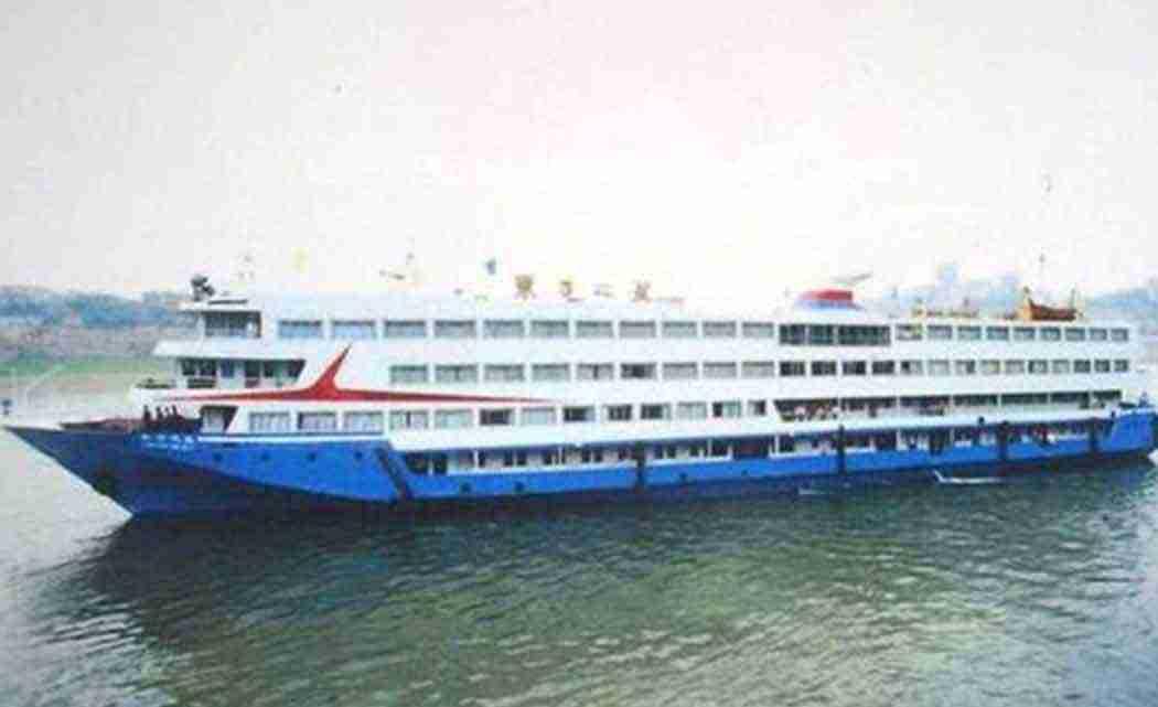 _Eastern-Star-cruise-ship