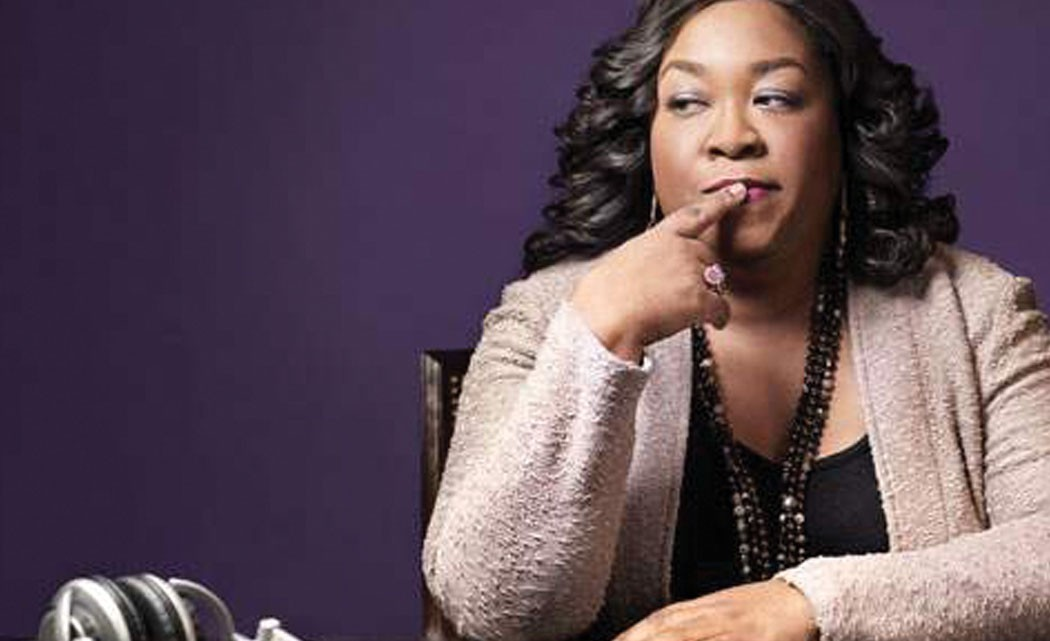 Shonda-Rhimes-writing-book-on-a-year-of-accepting-challenges