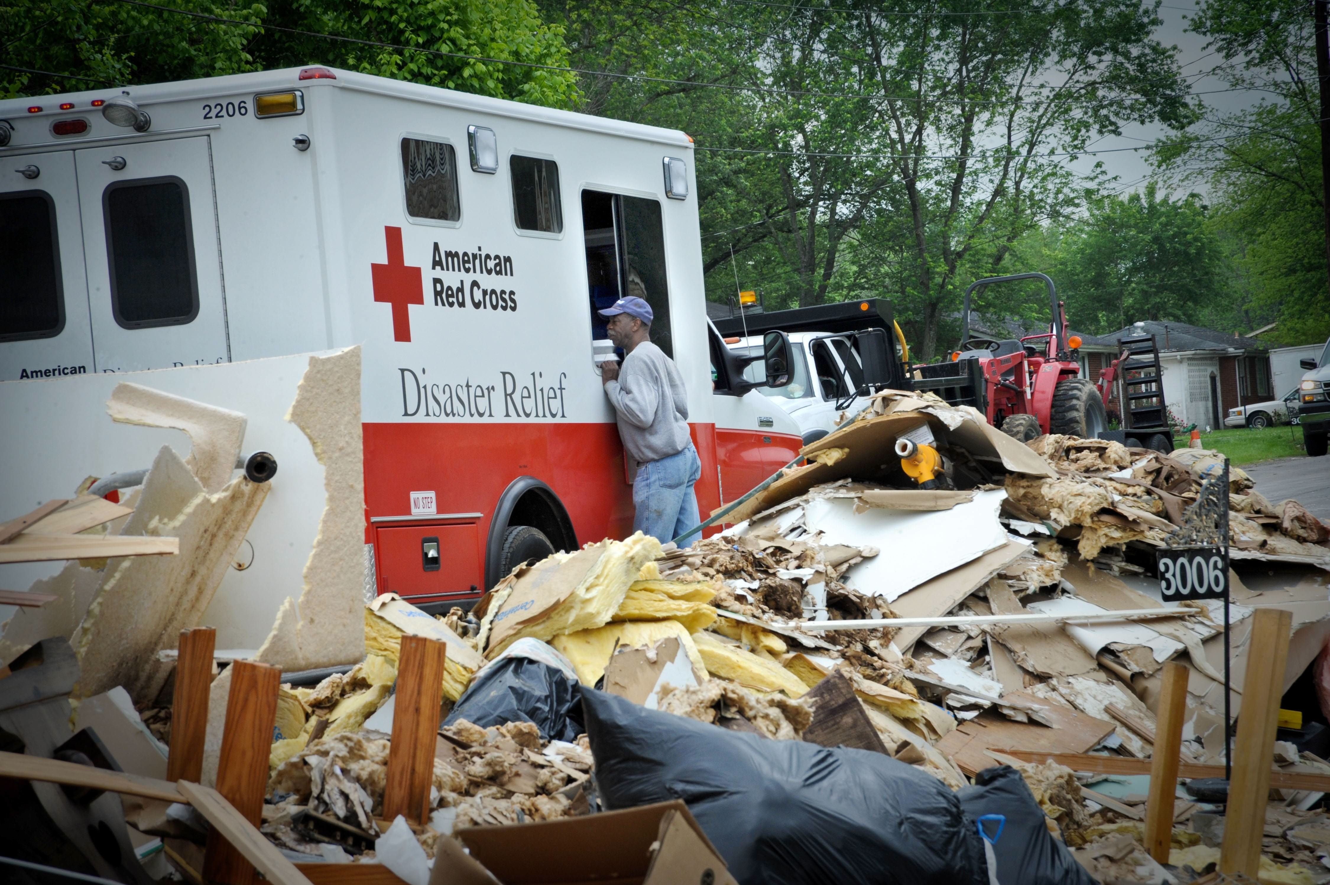 Newtown teens find healing in disaster relief service ...