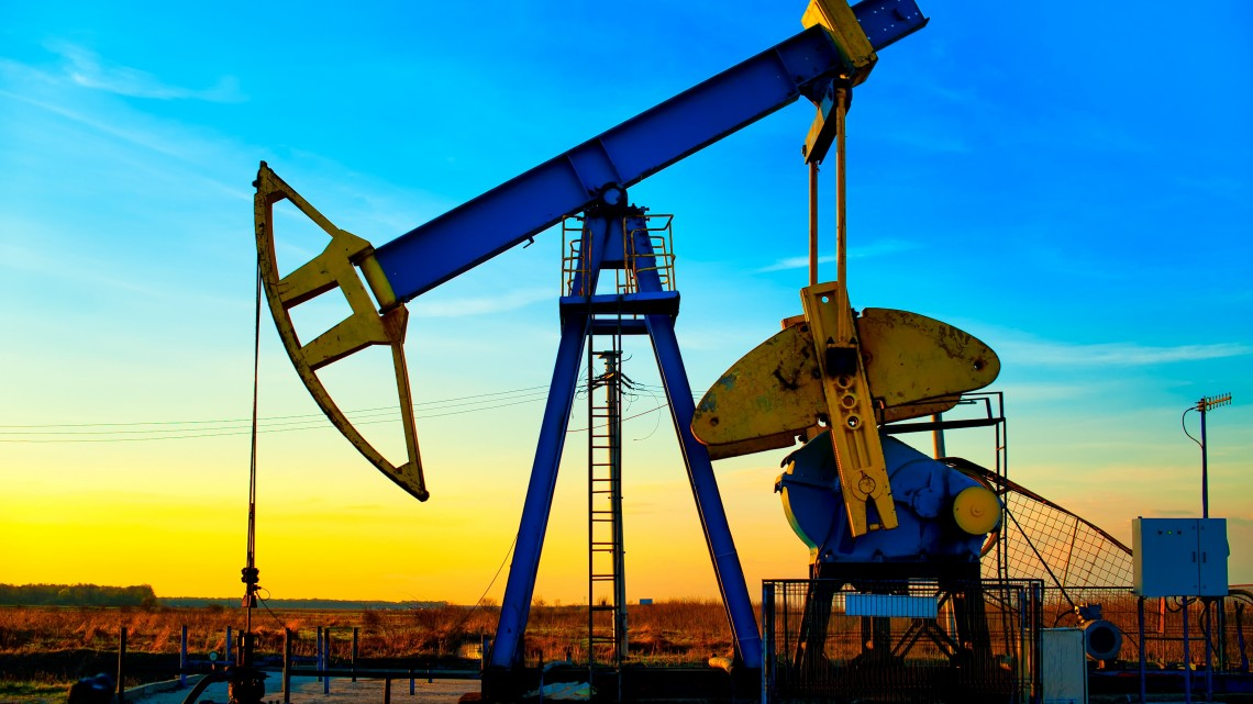 oil-drilling-at-sunset