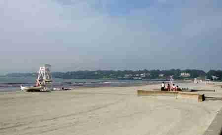 Easton's Beach in Newport