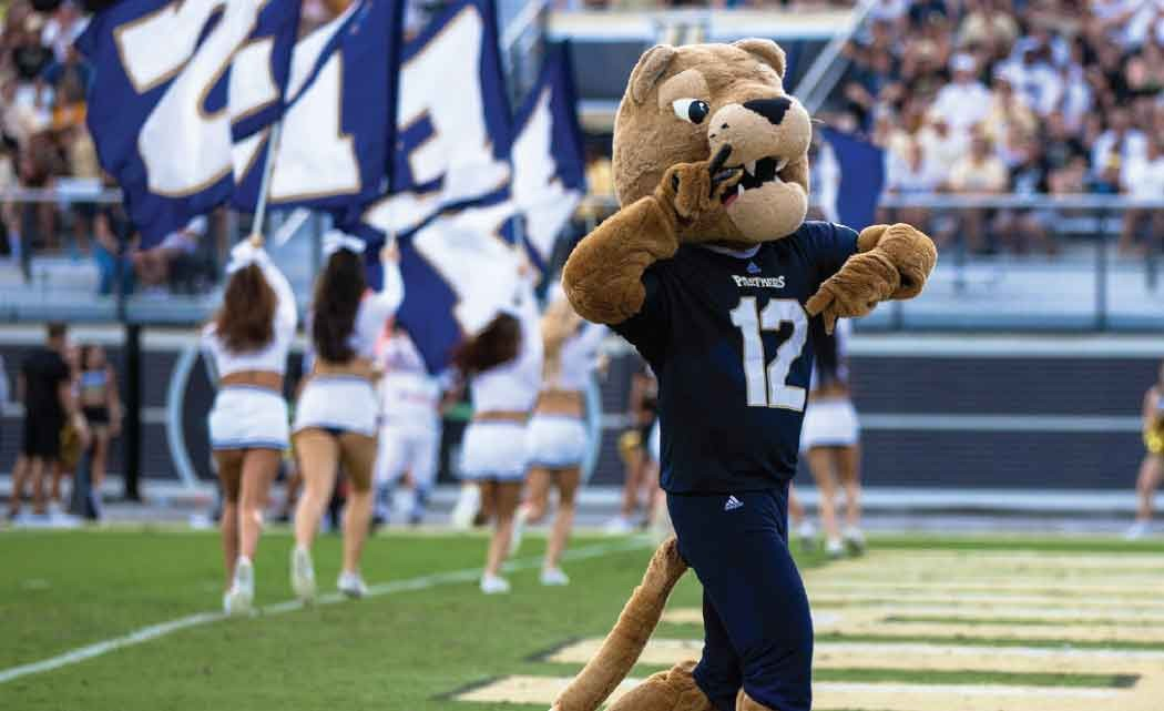 FIU-signs-7-year-marketing-deal-with-Van-Wagner