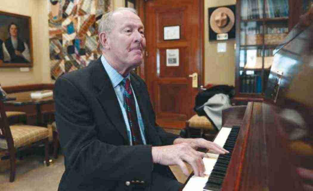 Piano-playing-senator's-latest-tune--New-education-policy