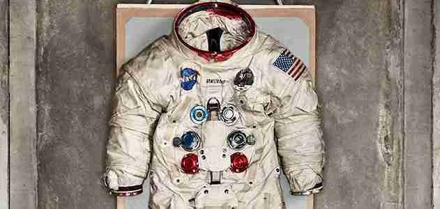 neil armstron space suit