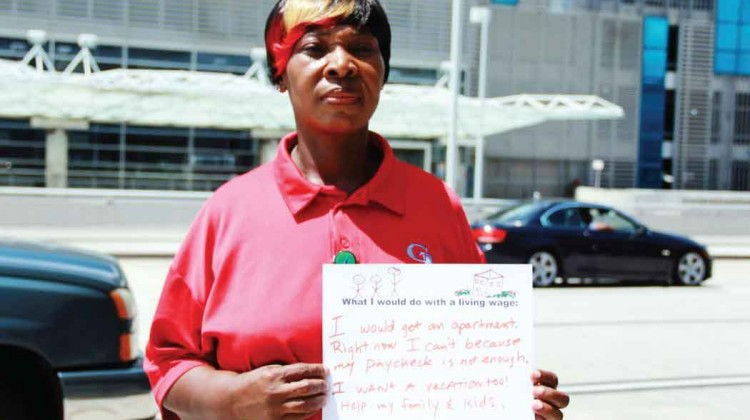 Airport-workers-demand-higher-wages-in-protest