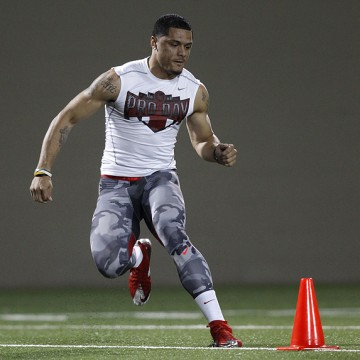 Wide receiver Devin Smith runs a drill during NFL Pro Day at Ohio State University in Columbus, Ohio,  Friday, March 13, 2015. (AP Photo/Paul Vernon)
