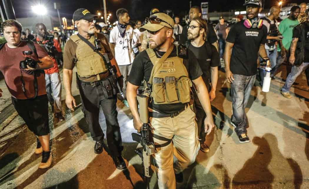 In-Ferguson'Oath-Keepers'-on-guard