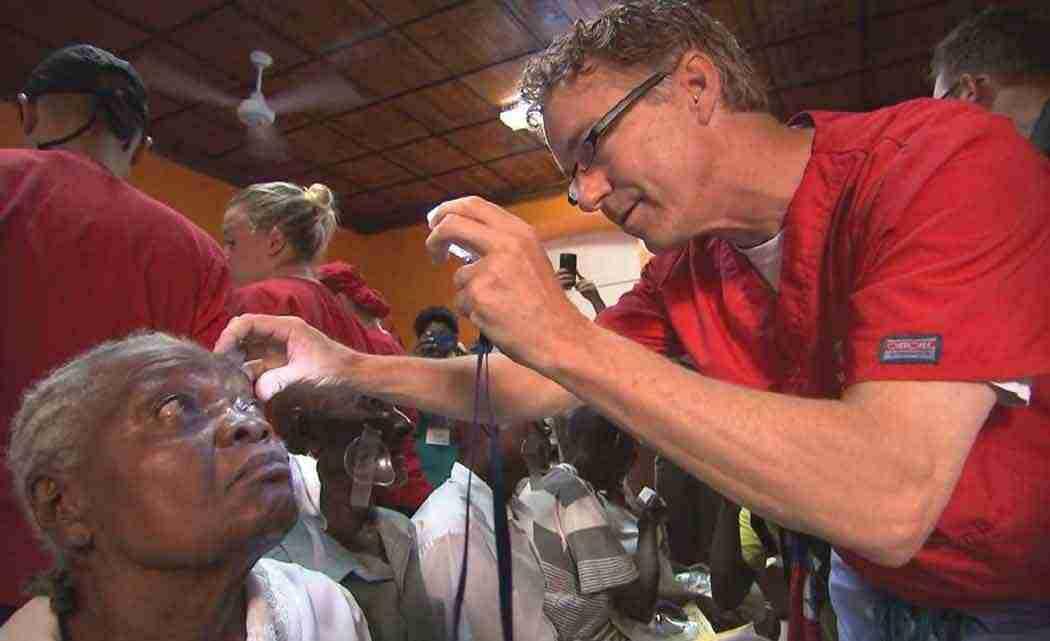 Paul-talks-2016-race-during-eye-surgery