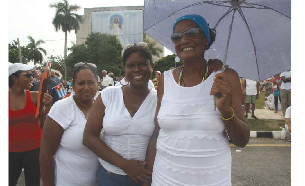 Cubans-show-adoration-of-Pope-Francis