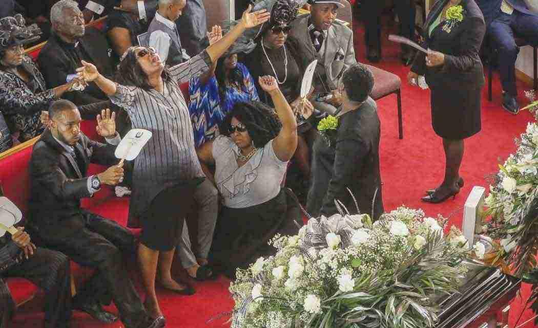 Nation,-community-salute-Corey-Jones