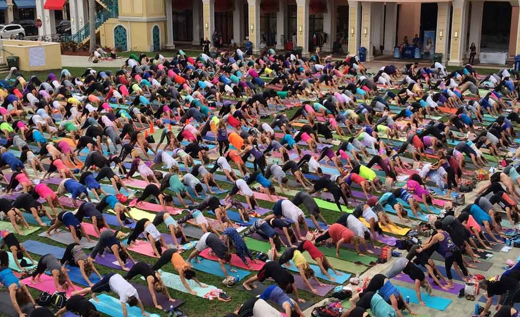 'Something-Big'-offers-free-yoga-to-ring-in-New-Year