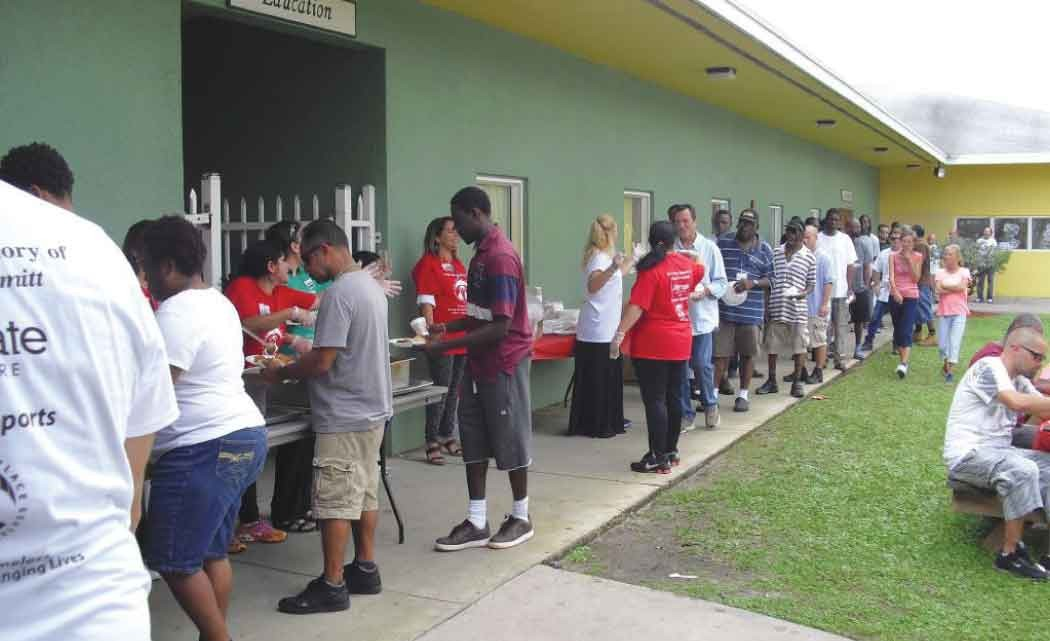 Broward-Outreach-Center-feeds-hundreds-on-Christmas