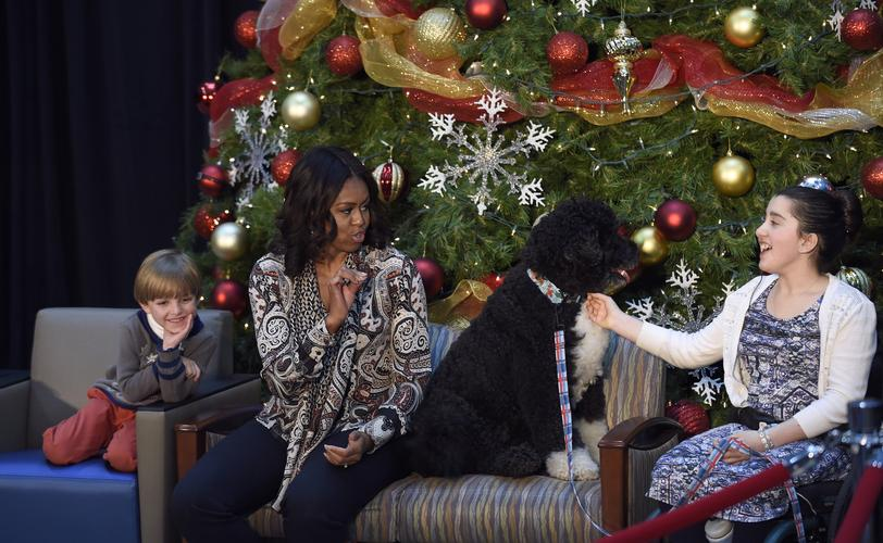 Michelle Obama reading