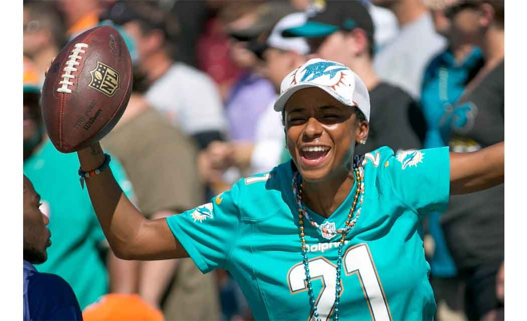 Wife-of-Dolphins-CB-lashes-out-at-Tannehill-on-Twitter