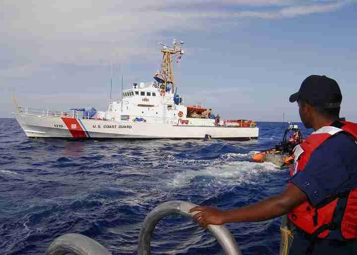 United_States_Coast_Guard_Cutter_Chandeleur