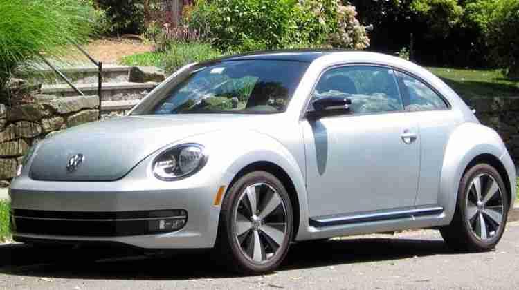 800px-2012_volkswagen_beetle_-_06-23-2012